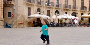 Cormac running around Piazza Duomo