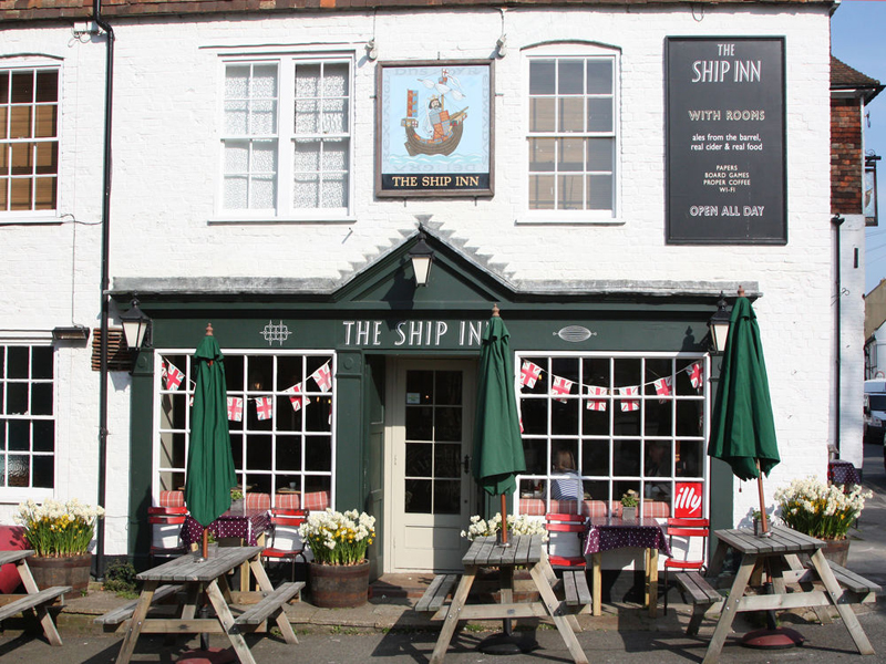 i-escape blog / Top 10 dog-friendly hotels and cottages in the UK / The Ship Inn