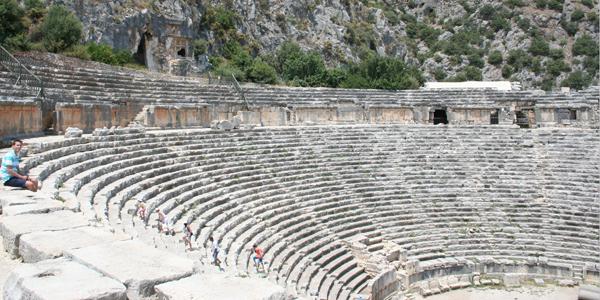 Myra-theatre