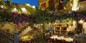 Avli Lounge Apartments' restaurant