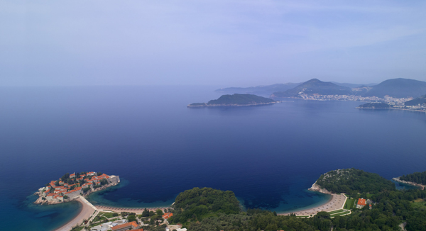 i-escape: Aman Sveti Stefan, Montenegro