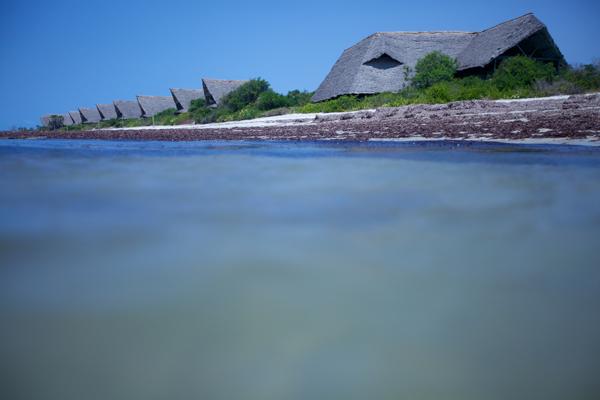 i-escape: Lazy Lagoon, Tanzania