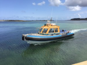 i-ecape blog / Transfers from St Mary's airport to Tresco are a doddle by fast jet boat