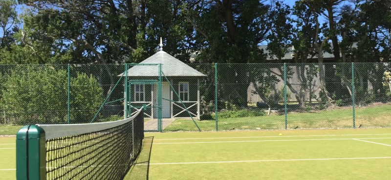 i-escape blog / A family holiday on the Isles of Scilly / Tresco tennis courts