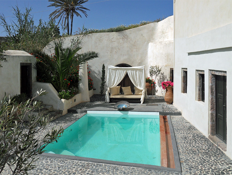 i-escape blog \ Family hideaways for October half-term \ Hideaway Houses, Santorini