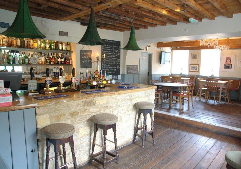 i-escape blog / Winter pub breaks / The Five Alls at Filkins