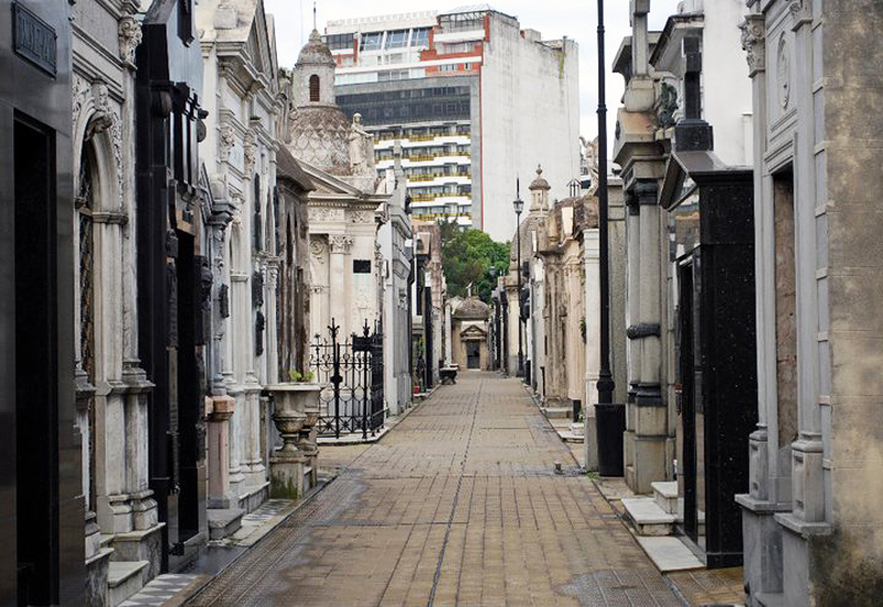 i-escape blog / Argentina: top 10 activities for teens / Recoleta Cemetary
