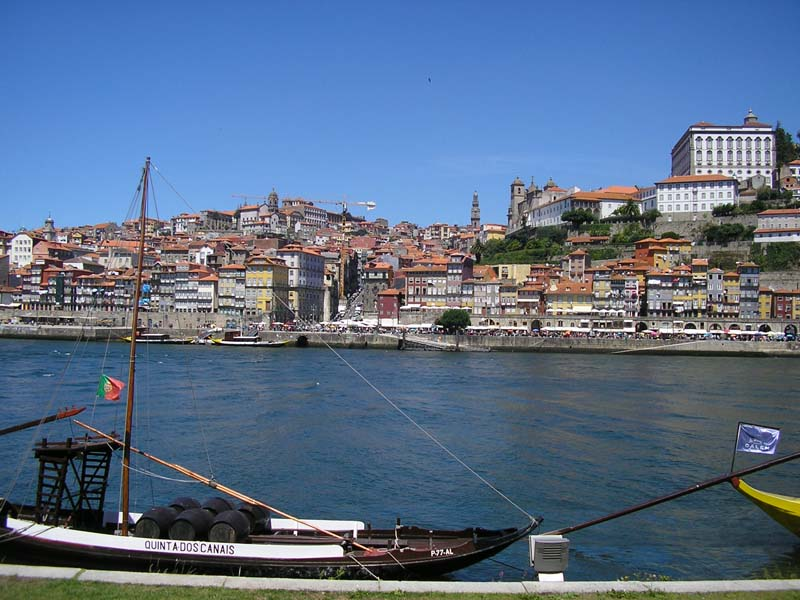 The i-escape blog / Why Porto is perfect for a family city break / Port barge by Julian Beckton