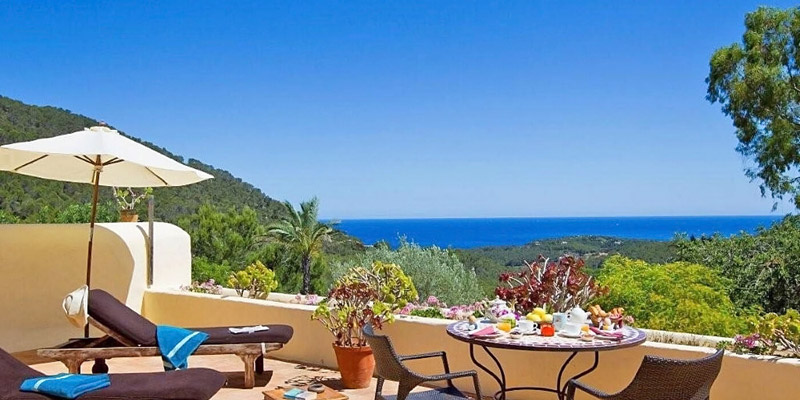 i-escape blog / i-escape's favourite Balearic beaches / Can Talais Ibiza