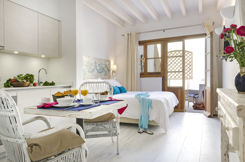 The i-escape blog / Six romantic city apartments / StayCatalina, Palma, Mallorca
