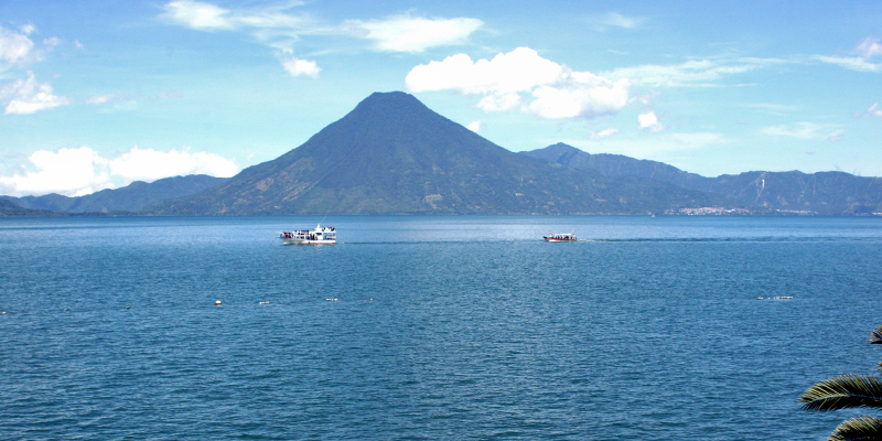 i-escape blog / Tailor-made Tours Guatemala / Lake Atitlan