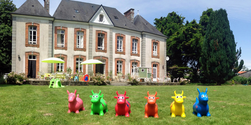 i-escape blog / family-friendly hotels with summer availability / Le Castel Normandy France