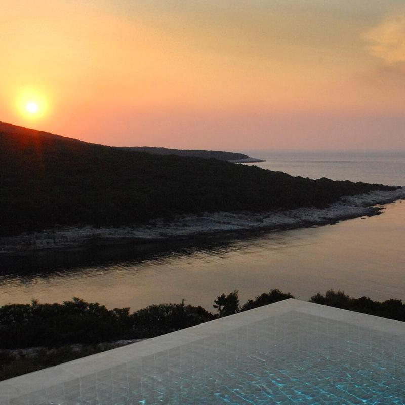 i-escape blog / European hideaways for late summer sun / Emelisse Art Hotel Kefalonia