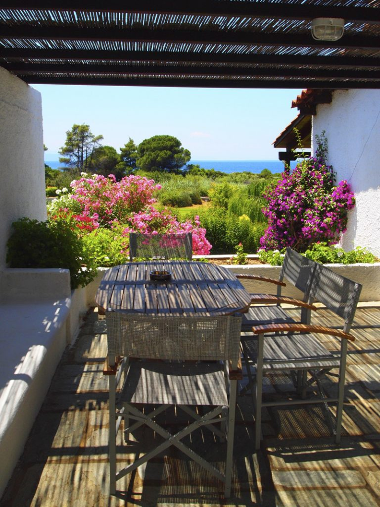 i-escape blog / Our favourite affordable boutique hotels / Skiathos Holidays