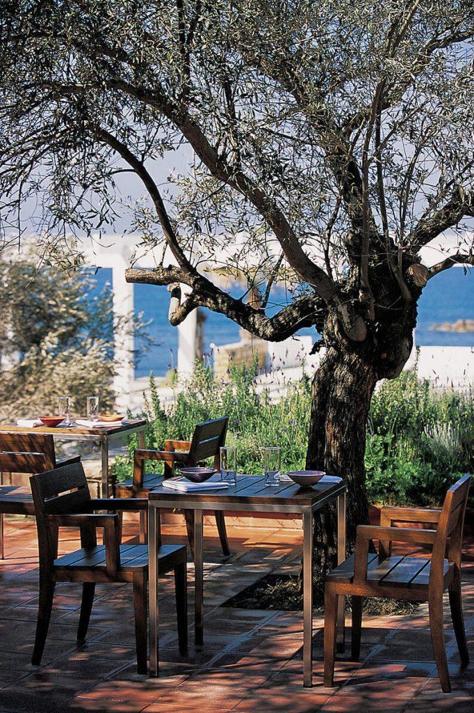 i-escape blog / European hideaways for late summer sun / Almyra Cyprus