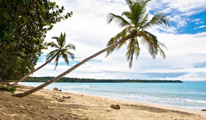 The i-escape blog / Meet the judges: Abbie Ting of Bikinis and Bibs / Costa Rica