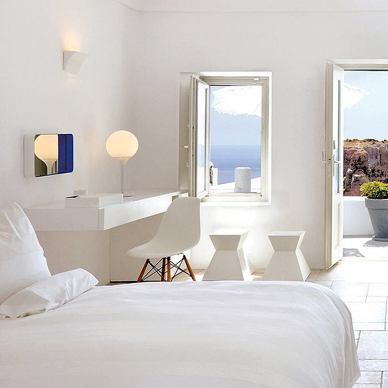 i-escape blog / Hotels with amazing views / Grace Santorini, Greece