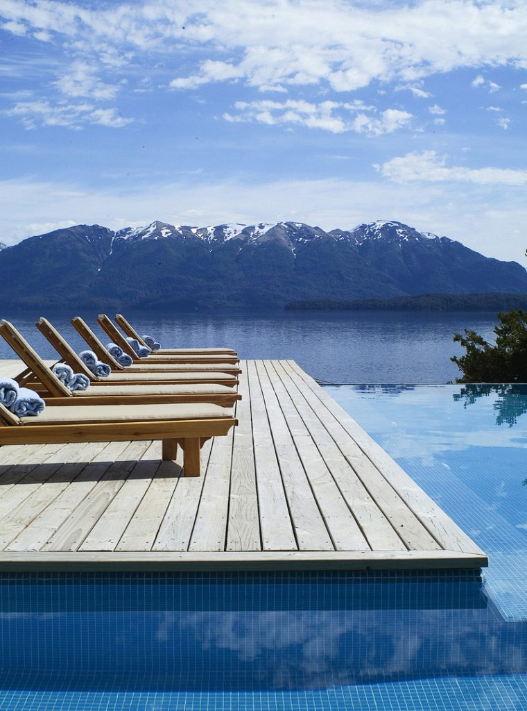 The i-escape blog / Blue Monday / Correntoso Lake Hotel