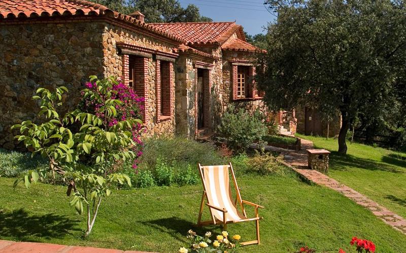 i-escape blog / Family Villas for Summer 2018 / Molino Rio Alajar