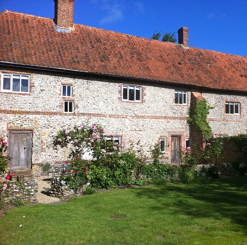i-escape blog / Five Affordable & Romantic Rural UK Boltholes / Cartshed Cottages, Norfolk, UK