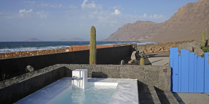 i-escape blog / Water sports beach holidays / Famara Beach House