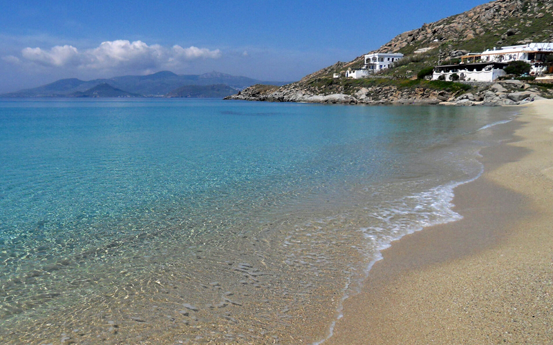the i-escape blog / Which greek islands are best for families / Naxos beach