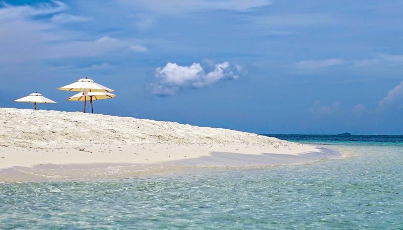 the i-escape blog / Bucket list beaches / Nikoi Island /