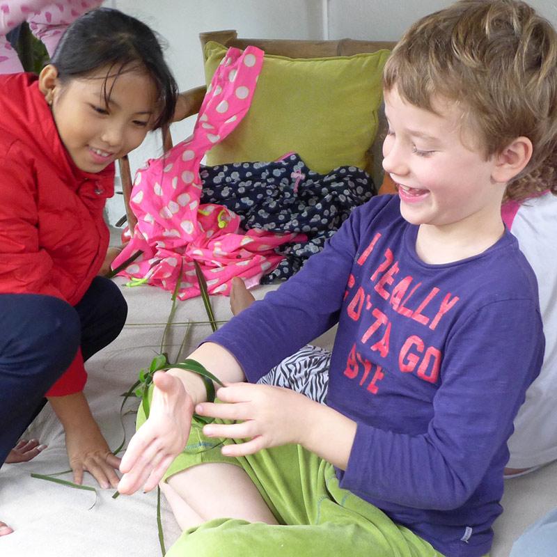 the i-escape blog / Great journeys: Vietnam by train / Palm frond bracelets