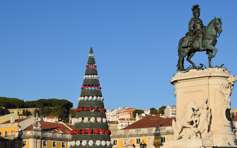 the i-escape blog / a portuguese road trip / praca do comercio