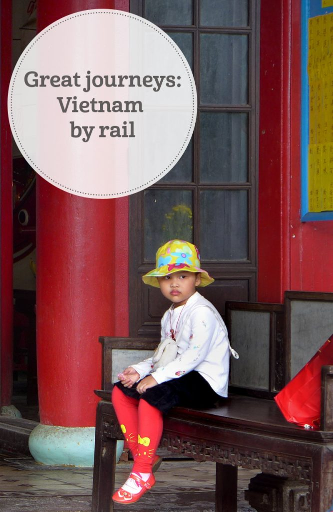 the i-escape blog / Great journeys: vietnam by train / Vietnamese girl