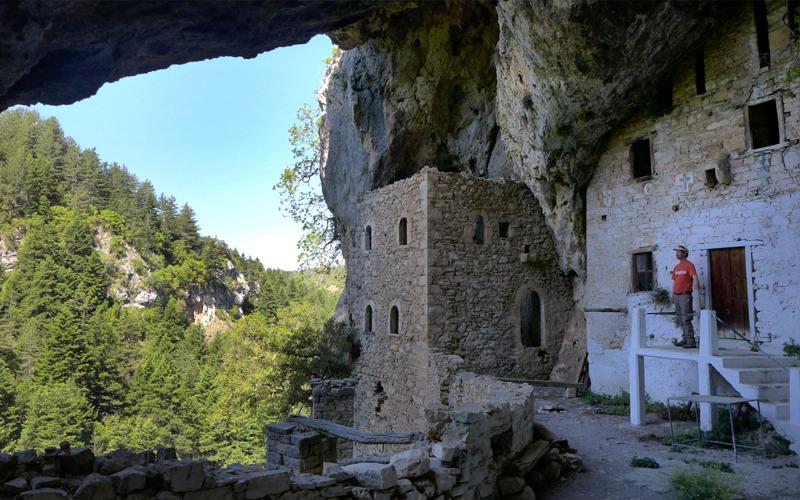 the i-escape blog / the expert view greek mountain hikes / Agia Kyriaki