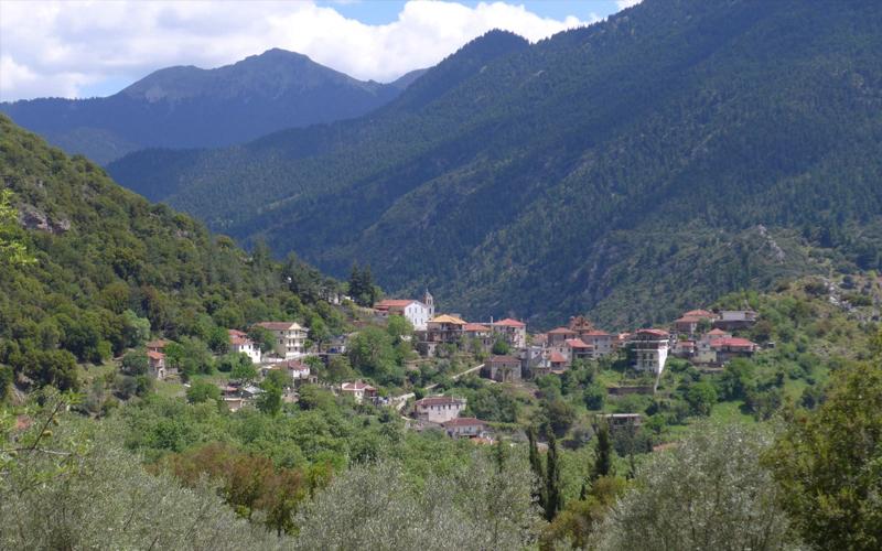 the i-escape blog / the expert view greek mountain hikes / planitero