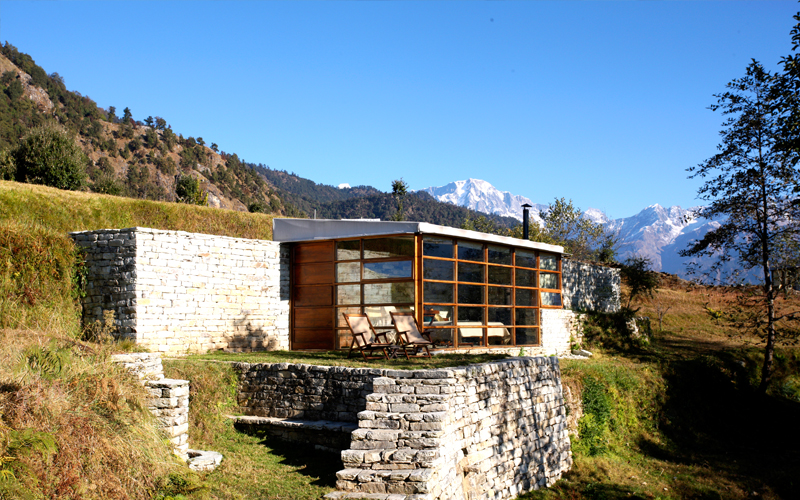 the i-escape blog / 5 of the best mountain hideaway holidays / shakti 360 leti