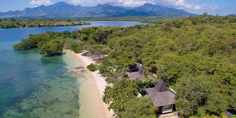 the i-escape blog / 6 stunning retreats for underwater adventures / The Menjangan