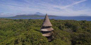 the i-escape blog / 6 stunning retreats for underwater adventures / The Menjangan