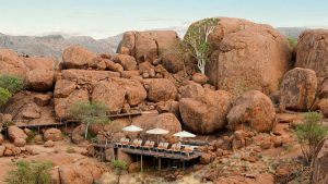 the i-escape blog / Planning an African Safari Honeymoon: 5 wildly romantic destinations / Mowani Mountain Camp