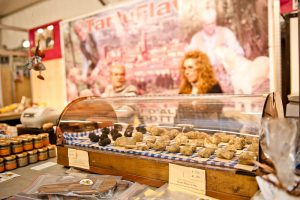 i-escape blog/ Where and when to enjoy Italy's harvest festivals Alba white truffle fair