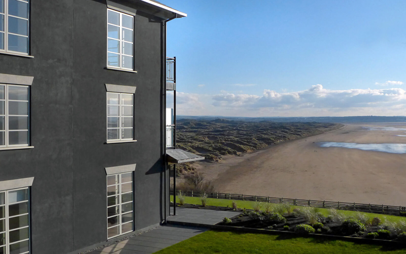 The i-escape blog / 10 amazing boutique boltholes for October half-term / Chalet Saunton