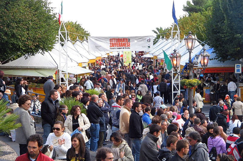 i-escape blog/ Where and when to enjoy Italy's harvest festivals / The Ottobrata