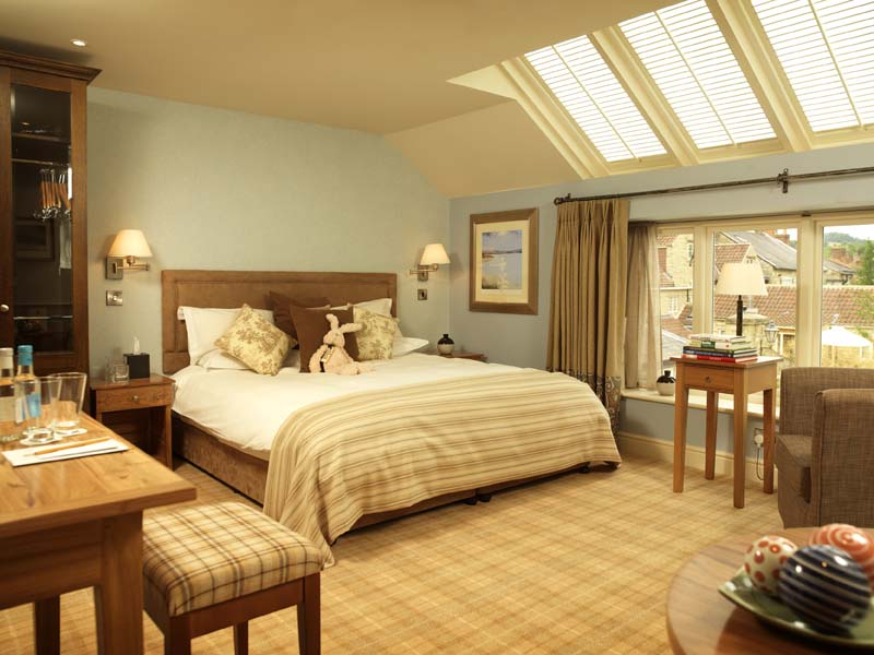 The i-escape blog / The 6 best places to see Britain's autumn colours / Feversham Arms