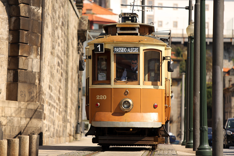 the i-escape blog / City guide: what's so cool about Porto? / Tram 1