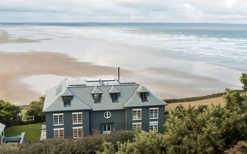 i-escape blog / 6 brilliant UK family breaks for October half term / The Chalet Saunton