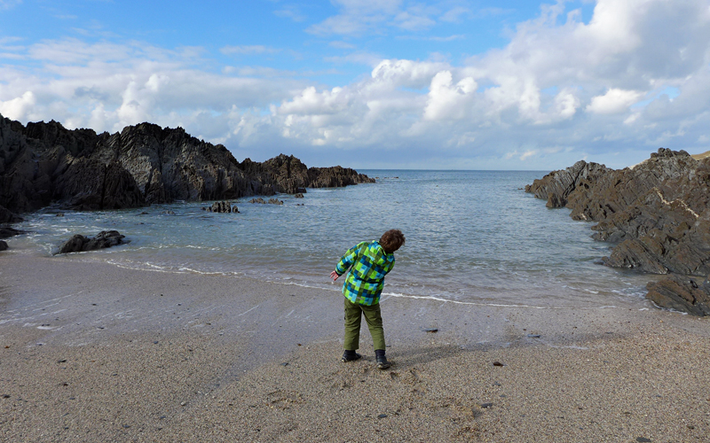 i-escape blog / 6 brilliant UK family breaks for October half term / Barricane Beach
