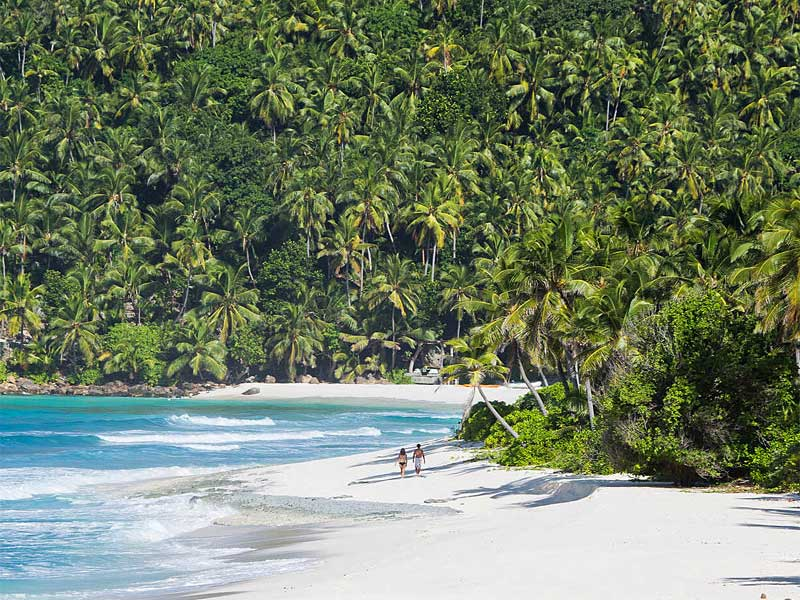 the i-escape blog / 8 Ultimate Honeymoon Islands / North Island