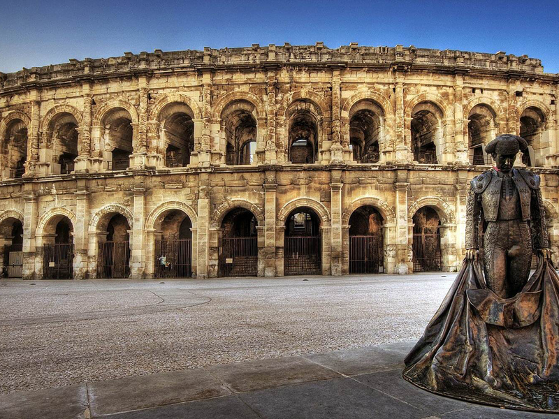 The i-escape blog / 3 stunning places you should stay in Provence / Roman ampitheatre in Nimes