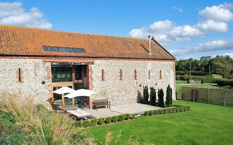The i-escape blog / UK Easter breaks: 8 last-minute family escapes / Barsham Barns