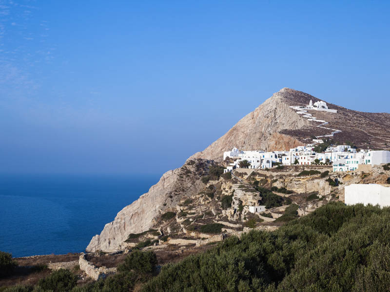The i-escape blog / An insider's guide to Folegandros: sunsets, snorkelling and romance / Chora