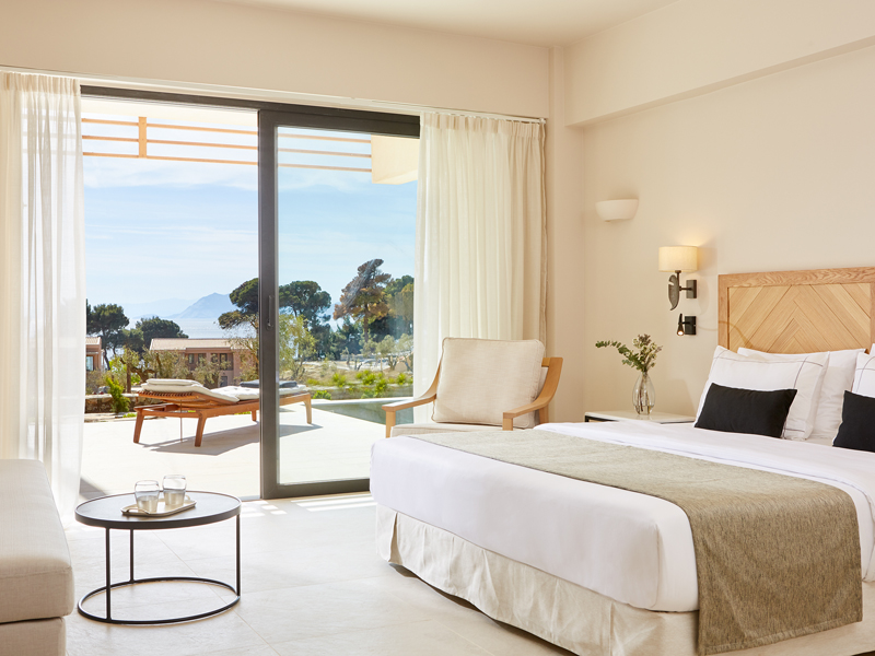 The i-escape blog / 10 spoiling hotels for Mother's Day / Elivi Skiathos