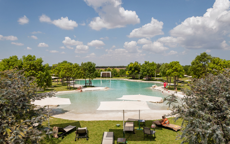 i-escape blog / Fabulous hotel pools for families / Furnirussi Tenuta