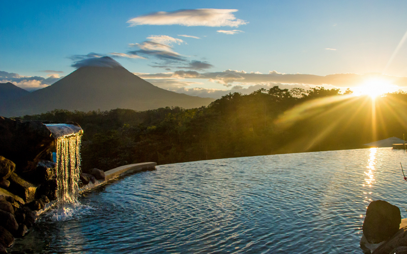 i-escape blog / Fabulous hotel pools for families / Leaves and Lizards